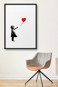 GIRL-WITH-BALLOON-PARED